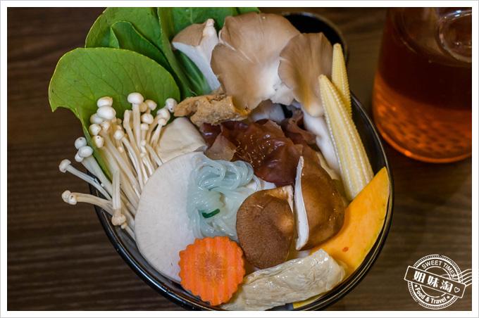 井兵衛壽喜燒菜盤