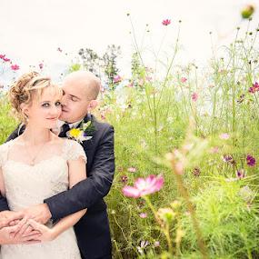 Bloom by Valerie Meyer - Wedding Bride & Groom ( peet & marisa, farm wedding, witbank, gauteng, val meyer photography, pretoria wedding photographer )