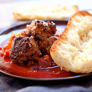 Tomato Red Wine Braised Meatballs