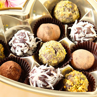 Make Vegan Dark Chocolate Truffles in 5 Easy Steps