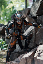 Photo: Predator vaanimassa 'conissa kävijöitä / A Predator preying upon the Ropecon visitors