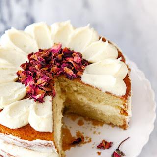 White Chocolate Rose Mini Cake.