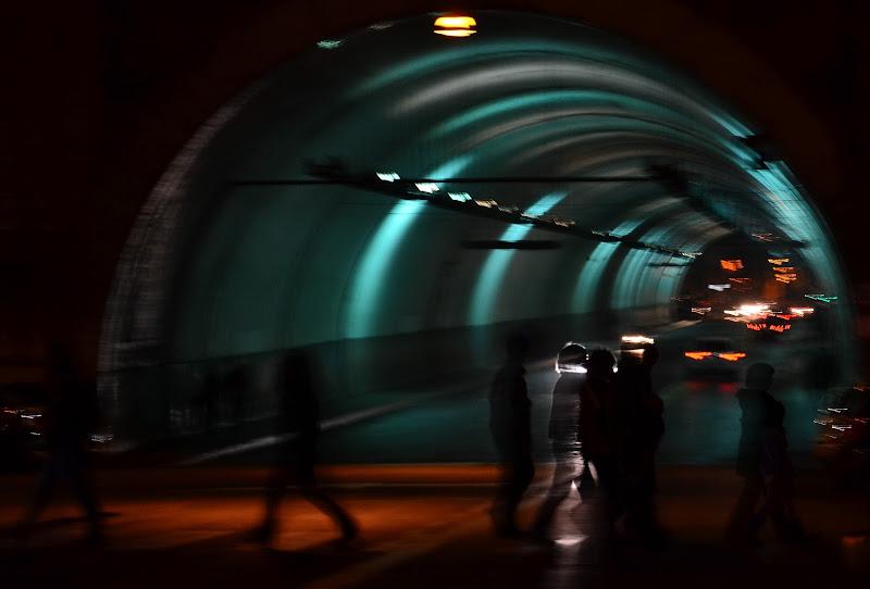Tunnel notturno di Rosella Marasco