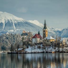 by Mario Horvat - City,  Street & Park  Vistas ( building, mountains, winter, church, snow, bled, castle, lake, island,  )