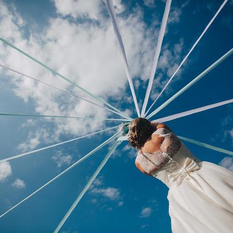 Wedding photographer Ludivine Viguié (vigui). Photo of 12.07.2015
