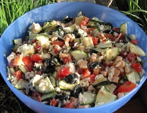 https://sites.google.com/site/cuisinedesdelices/les-entrees/salade-grecque-a-la-feta
