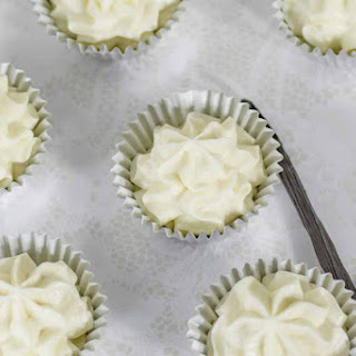Vanilla Cheesecake Fat Bombs.