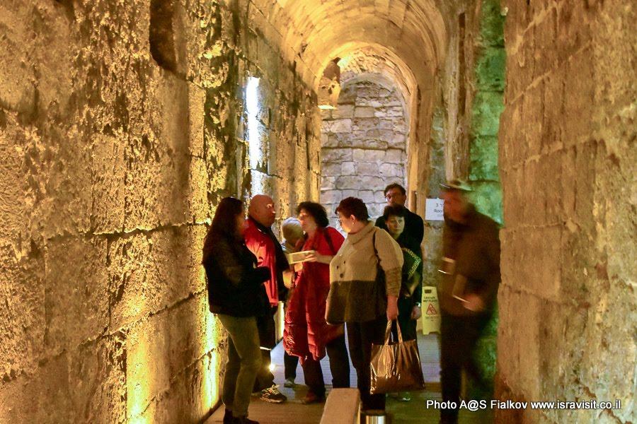 Туннель Стены Плача. Экскурсия Подземный Иерусалим гида Светланы Фиалковой.