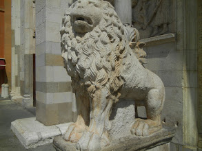 Photo: Lion in front of Modena Duomo