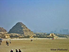 Photo: Piramides op het Gizeh Plateau