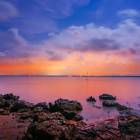 red dawn by Fadzlie Baharun - Landscapes Weather ( pwcredscapes )