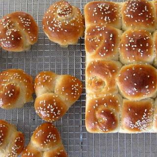 Honey Buttermilk Dinner Rolls Recipe