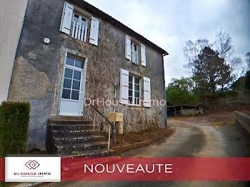 maison à La Forêt-sur-Sèvre (79)