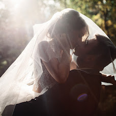 Wedding photographer Kirill Otinov (KDELUXE). Photo of 25.10.2018