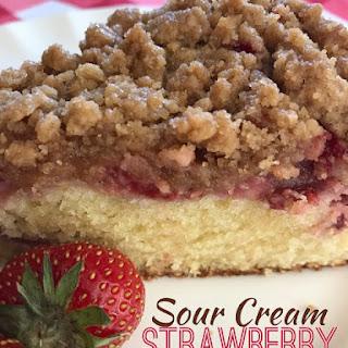 SOUR CREAM STRAWBERRY CRUMB CAKE Recipe