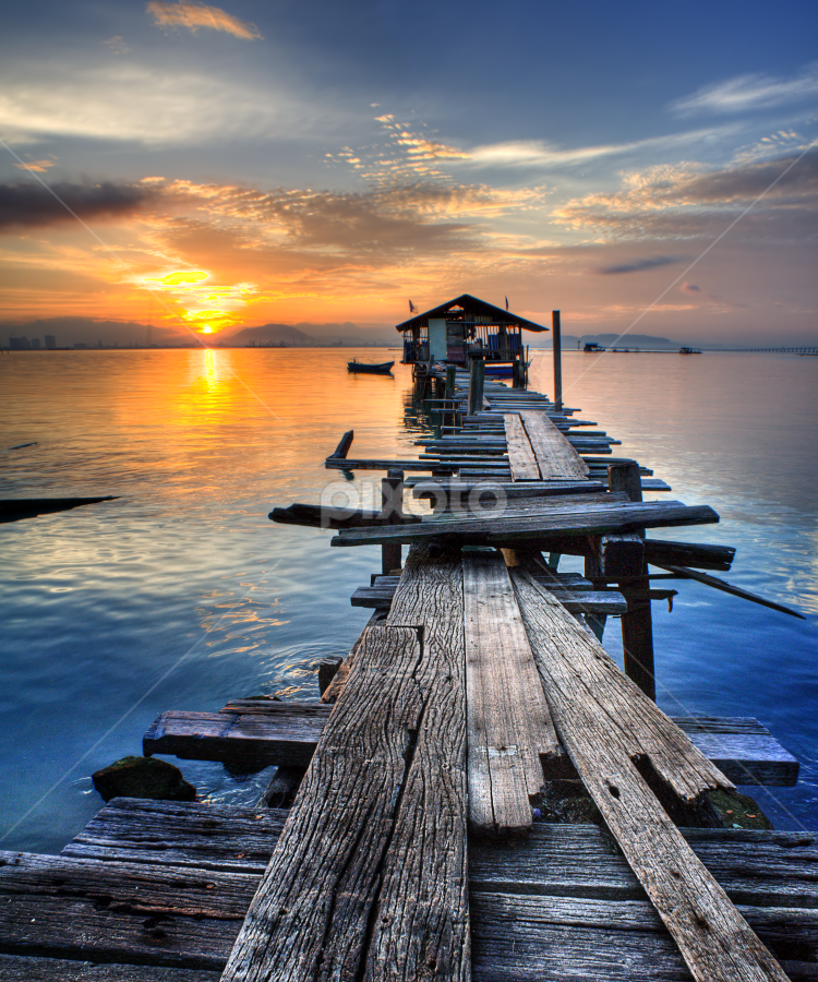 Jelutong sunrise ll by Izham Khalid - Landscapes Sunsets & Sunrises ( sky, sampan, penang, sea, cloud, sunrise, jetty )