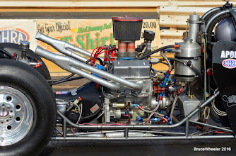 Photo: 1/2 of a 327 Chevy, a V4! (163.5 cubic inches)
