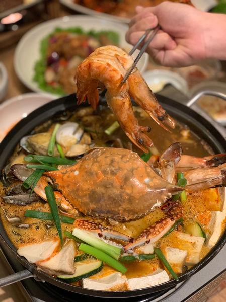 秋蟹來擊!韓式秋蟹辣湯與韓風辣炒螃蟹,柚子馬格利來一杯彷彿身在韓國