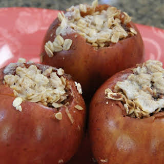 Slow Cooker Maple & Oatmeal Baked Apples.