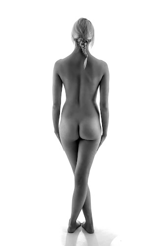 Form by Trish Beukers - Nudes & Boudoir Artistic Nude