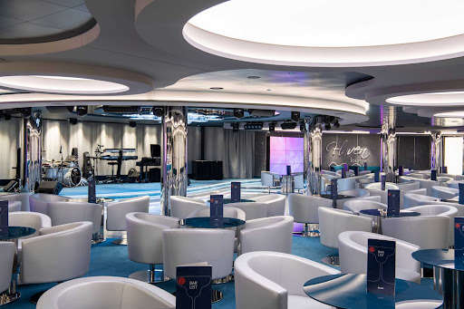 msc-seaview-Haven-Lounge.jpg - Kick back with a cool drink at the Haven Lounge on deck 7 of MSC Seaview.