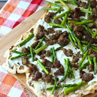 Grilled Pizza with Ricotta, Asparagus, and Sausage