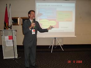 "Photo: Corinto Meffe presentando ""Software Público"""