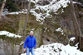 Photo: A Szentendrei-barlang feletti sziklaviszonyok.
