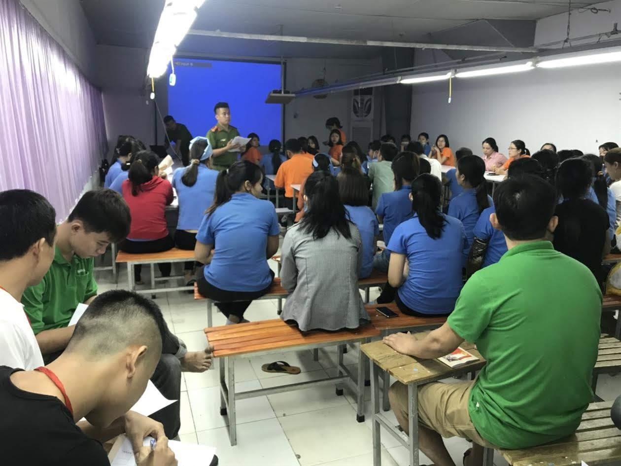 Khóa huấn luyện nghiệp vụ CC&CNCH tại Khu công nghiệp Tháp Hồng Kỷ, xã Diễn Hồng, huyện Diễn Châu