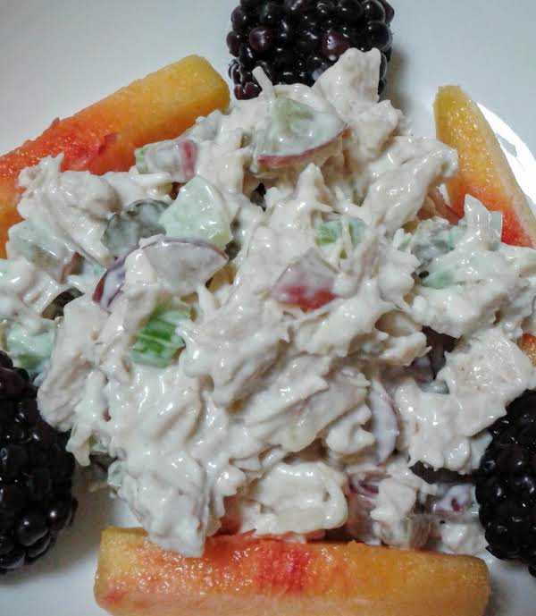 I Served My Chicken Salad With Wheat Crackers, Fresh Sliced Peaches And Blackberries I Had On Hand At The Time.