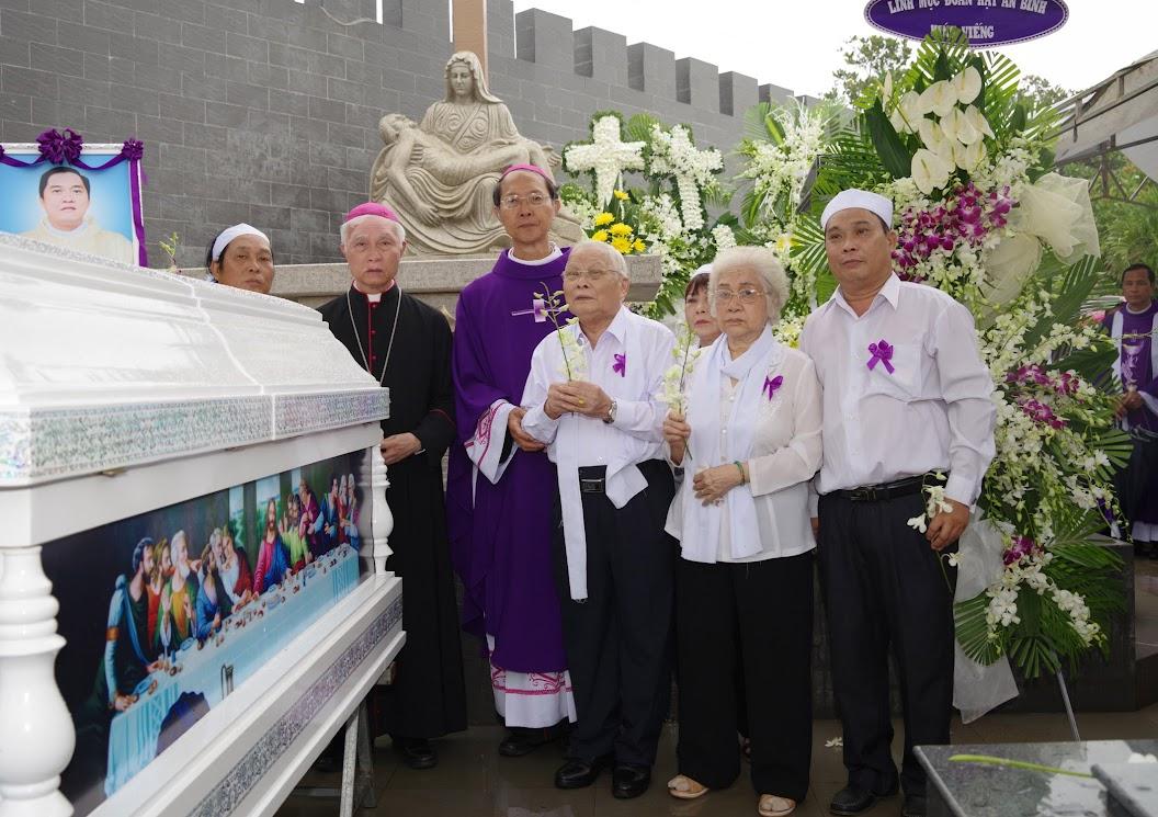 Thánh lễ an táng Cha Giuse Trần Ngọc Tâm - Chánh xứ Xuân Đức - Ảnh minh hoạ 53