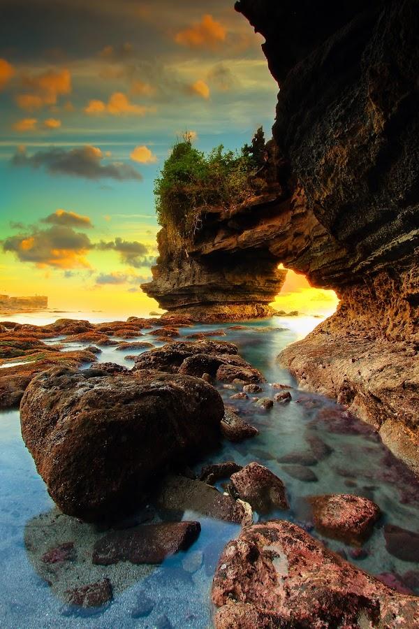 Batu Bolong Beach by Made Ardika - Landscapes Sunsets & Sunrises