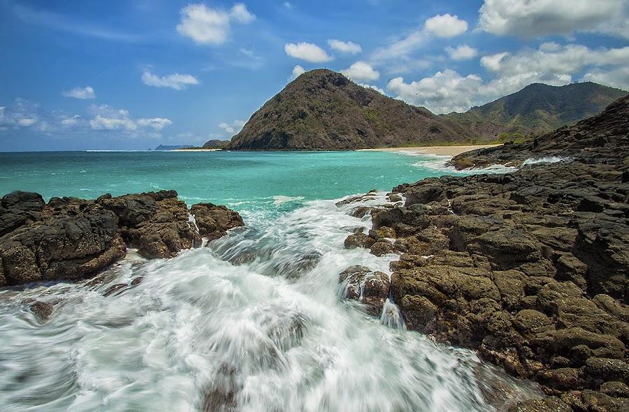 Selong Belanak beach by Teguh Zulkarnain - Landscapes Beaches