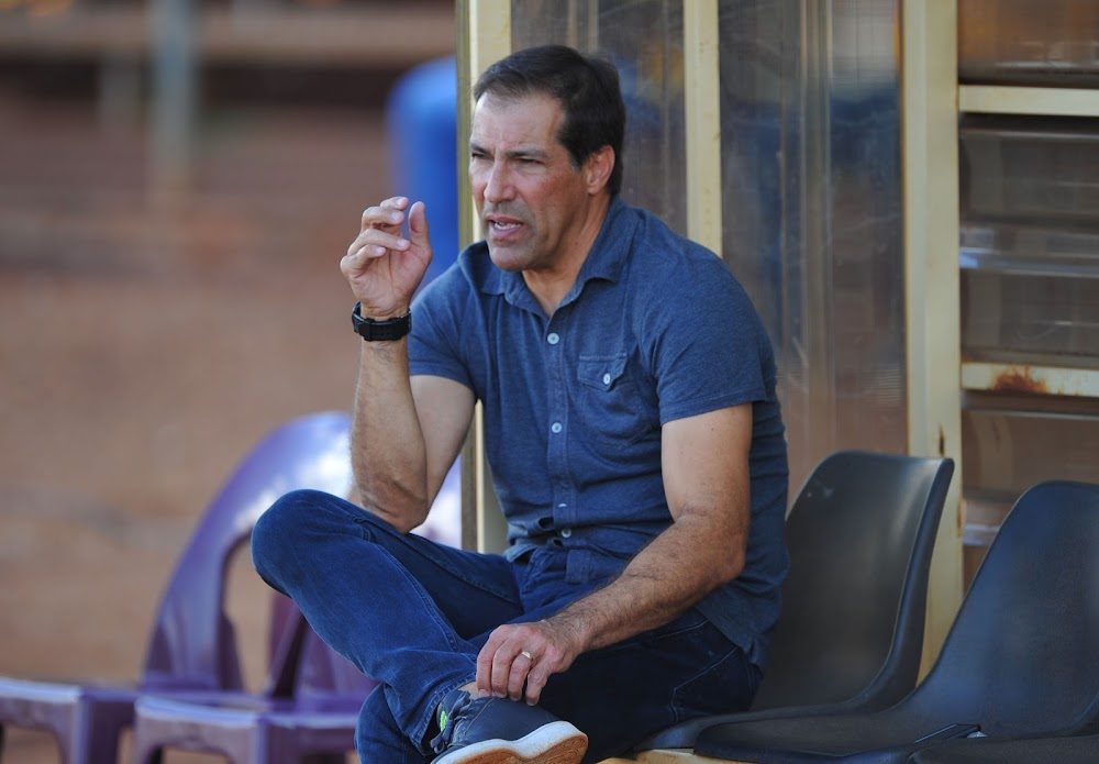 Defiant Stars coach Roger de Sa refuses to give up in face of relegation
