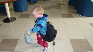 Photo: i dzwiga własny bagaż
