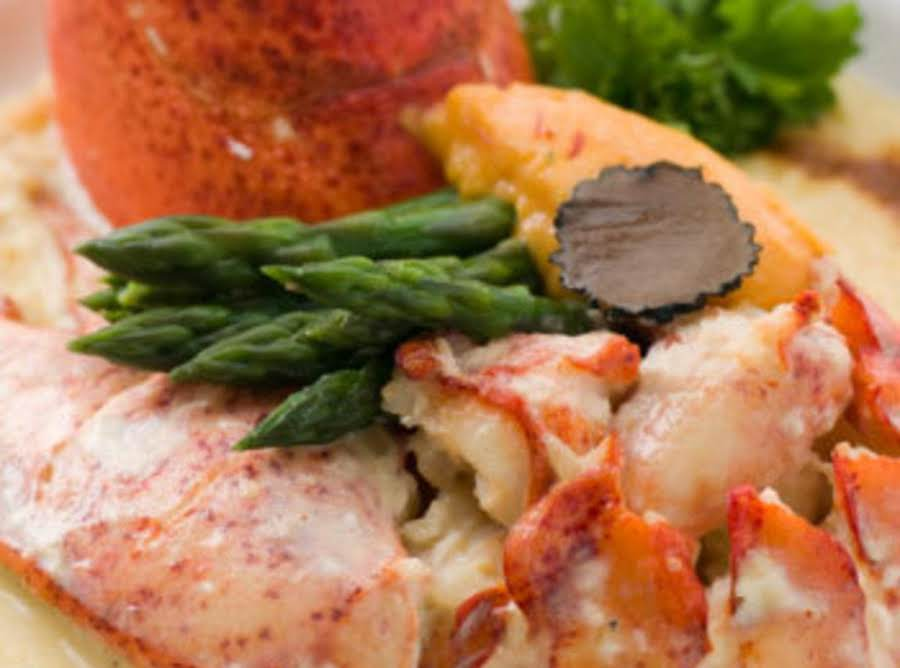 fancy lobster newburg - 900×668