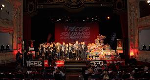 La Agrupación Musical Nuestra Señora del Mar llenó el Teatro Cervantes de la magia de la Navidad con sus villancicos.