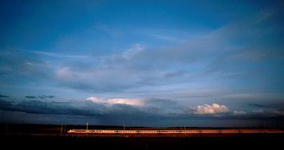Foto: Frankreich, Bourgogne, TGV, 1980 (France, Burgundy, TGV train, 1980) © Eckhard Supp