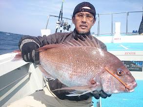 Photo: うひょーっ! ベッピン! 5kgの真鯛キャッチ!
