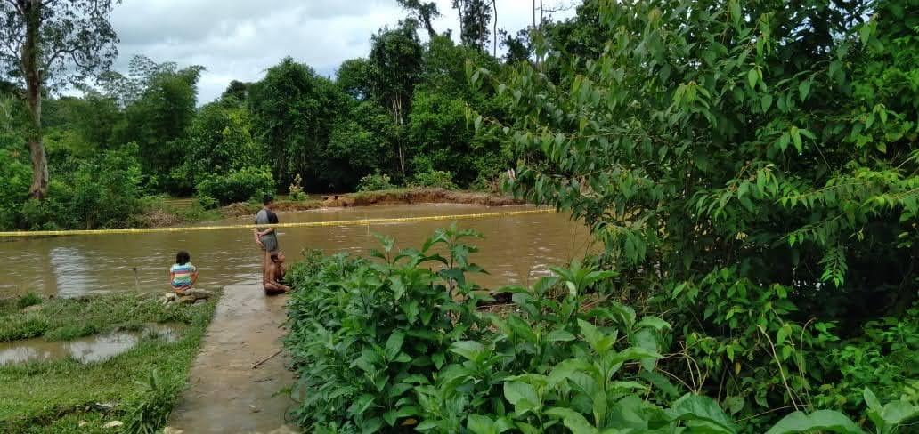 Ibu Bupati Landak Terima Kasih, Penambang di Desa Kami Telah Ditertibkan, Namun Lokasi Ditinggal Begitu Saja, Membahayakan ?