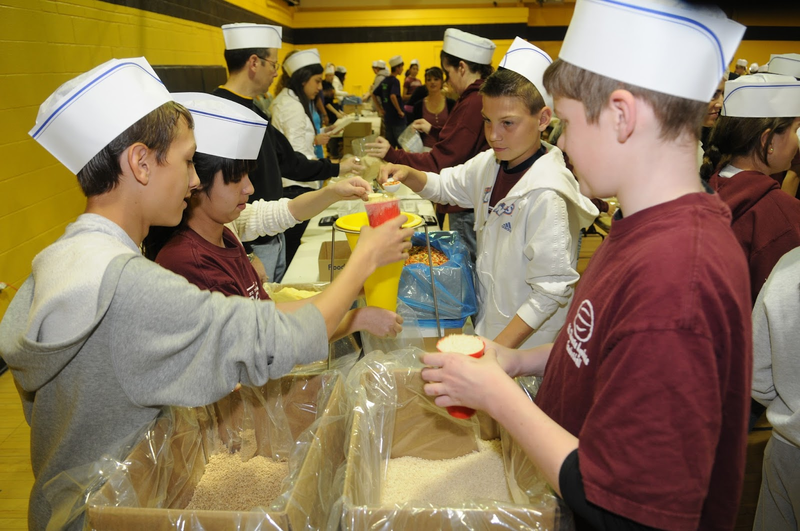 Copy of Pius Food Drive008.JPG