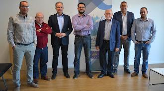 Antonio López,  junto a investigadores de recursos hídricos del la UAL.