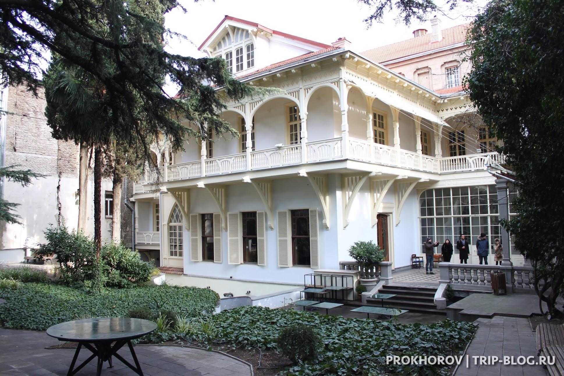 Экскурсии в Тбилиси и дом писателей