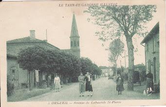 Photo: Orgueil (82) - La grand-rue en venant de Labastide-Saint-Pierre - Carte non voyagée des années 1920