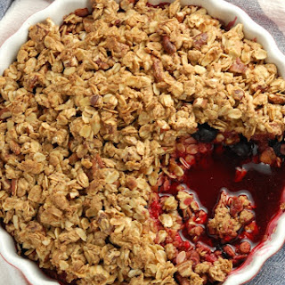Simple Berry Crumble