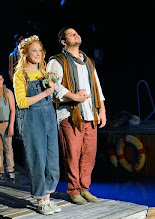 """Photo: LORTZINGS """"UNDINE"""" an der Wiener Staatsoper - Kinderfassung. Inszenierung: Alexander Medem. Premiere 18.4.2015. Annika Gerhards, Carlos Osuna. Foto: Barbara Zeininger"""
