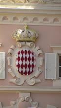 Photo: Escudo del Reino de Mónaco