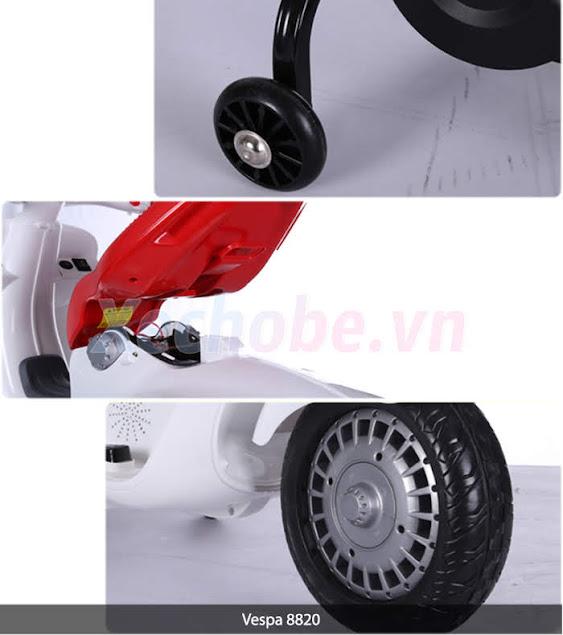 xe điện mini vespa 8820 cho bé