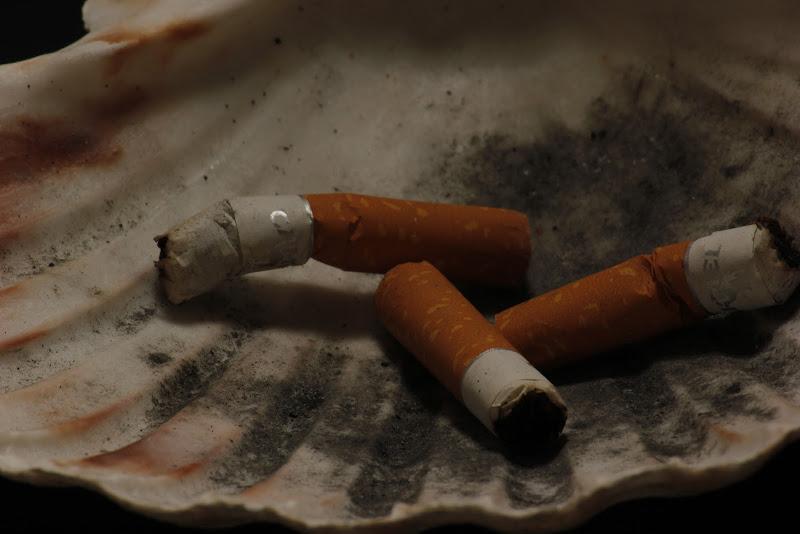 3 sigarette sul comò di Plaisir