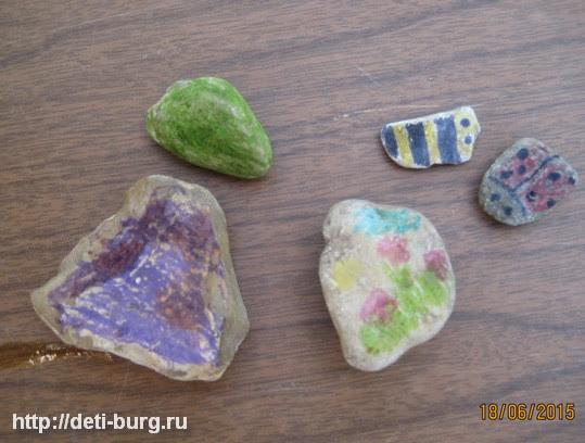 раскрашиваем камушки